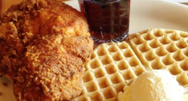 PHX FAVE: Lolo's Chicken and Waffles!