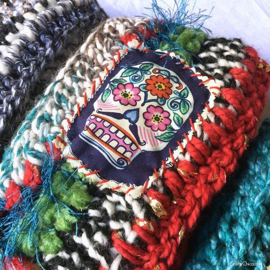 applique scarf-skull