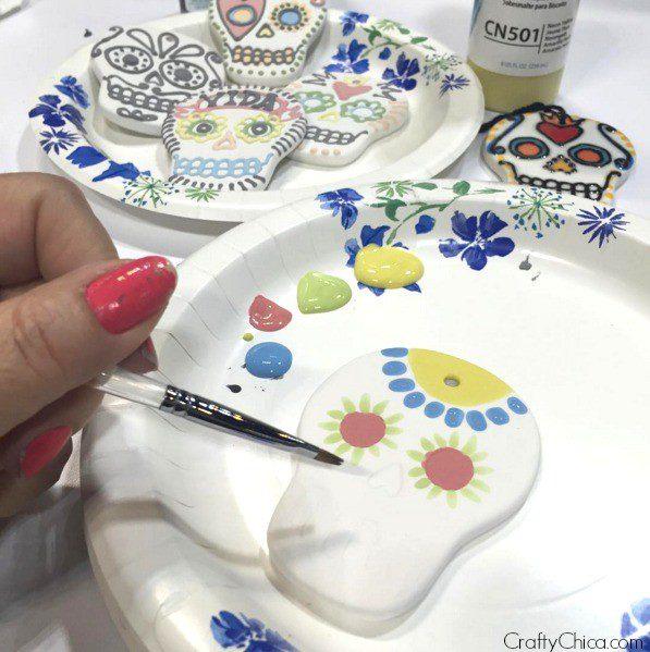 crafty-chica-ceramic-skull