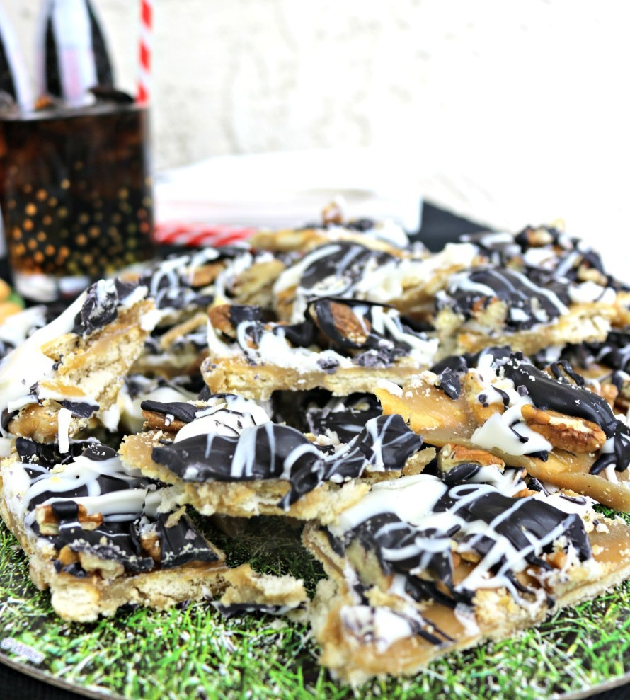 Sweet & Salty Referee Ritz Bark for your big game party planning! CraftyChica.com