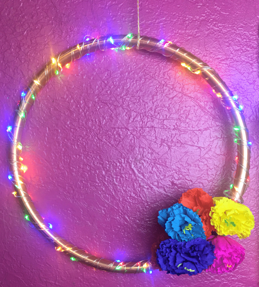 Lighted Copper Wreath tutorial by Crafty Chica.