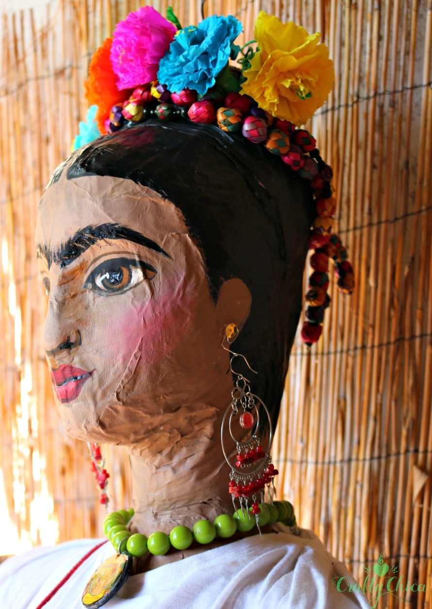 Piñata makeover inspired by Frida Kahlo (Just Don't Hit It!) - The