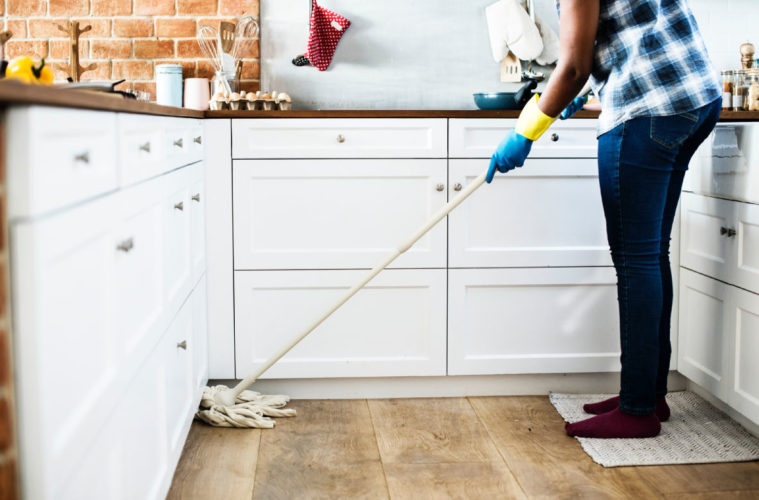 Tips for a clean home! #craftychica #cleanhouse #cleaningtips